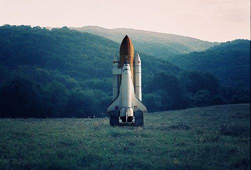 art-hipster-rocket-space-text-Favim.com-256956_2048x2048