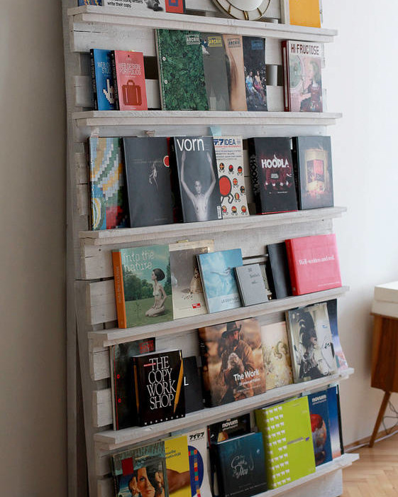 Repurposed Wooden Pallet Bookshelf Ide